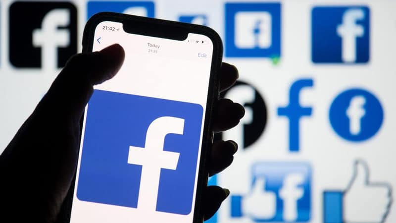 Delete posts from Facebook using Social Book Post Manager extension